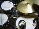 今日のドラム(タオル・ミュートつき)